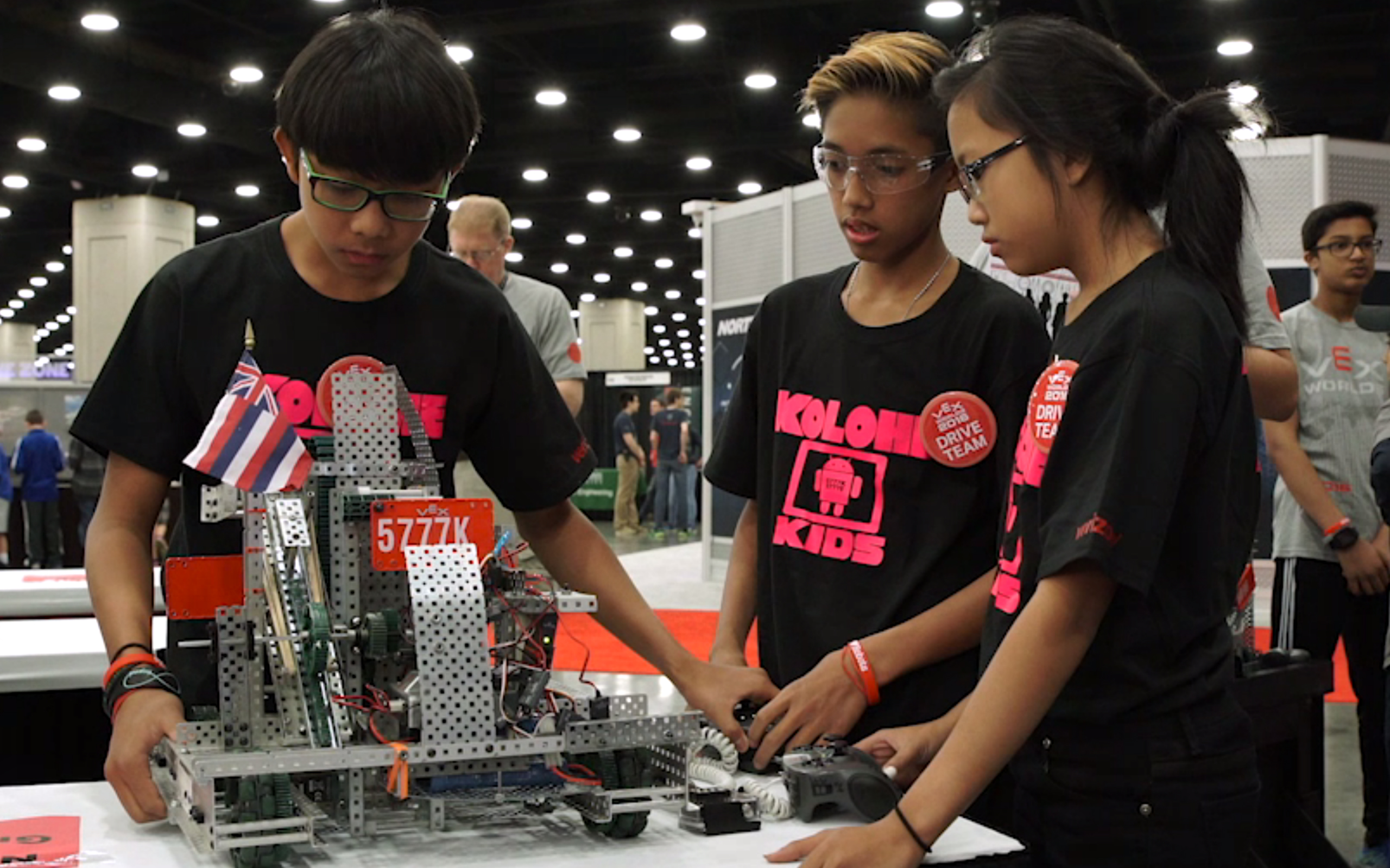 'Opportunity of a lifetime': Middle schoolers master engineering with robots – and leis!