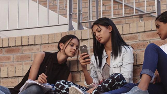 Girls at Verizon Innovative Learning