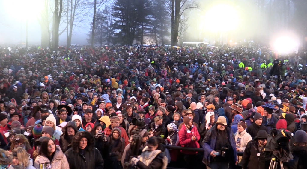 groundhog day crowd