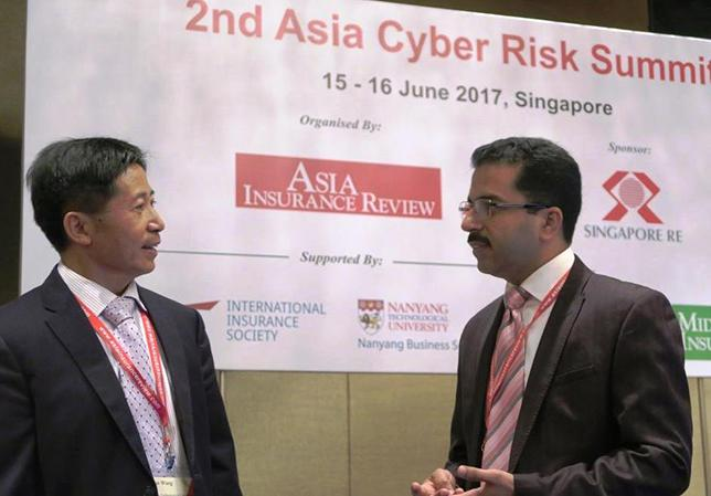 Professor Shaun Wang and Ashish Thapar