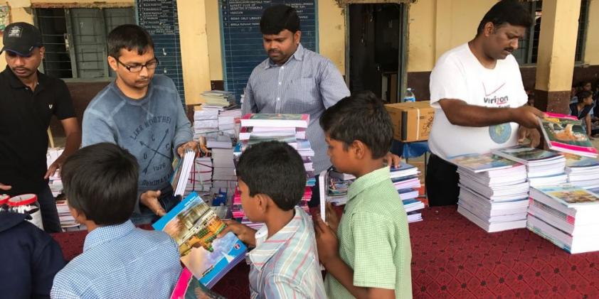 Verizon volunteers distributing stationery – Hyderabad