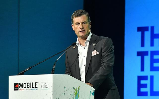 Photo of Ronan Dunne at MWC