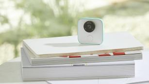 Google Clips: the smart camera that captures short clips for you.