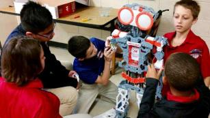 These Middle Schoolers are Building Their Own Roving Robot Mascot