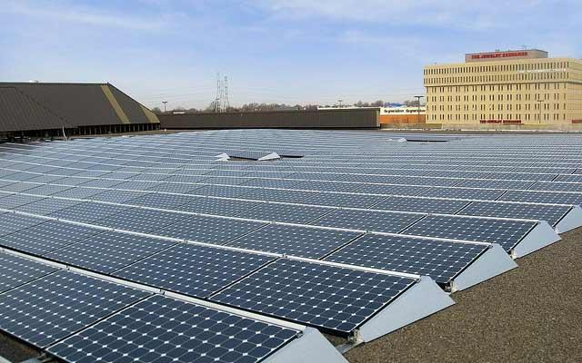 Solar panels atop Verizon facility in New Jersey