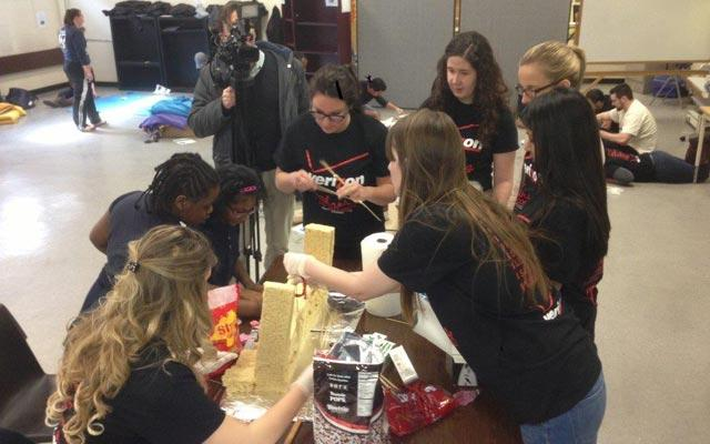 Introductions to STEM Projects Energizes Students and Employee Volunteers