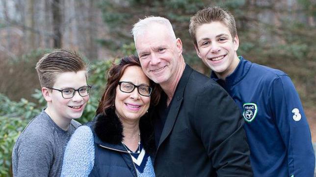 V Teamer Linda Lee Maloney and family.