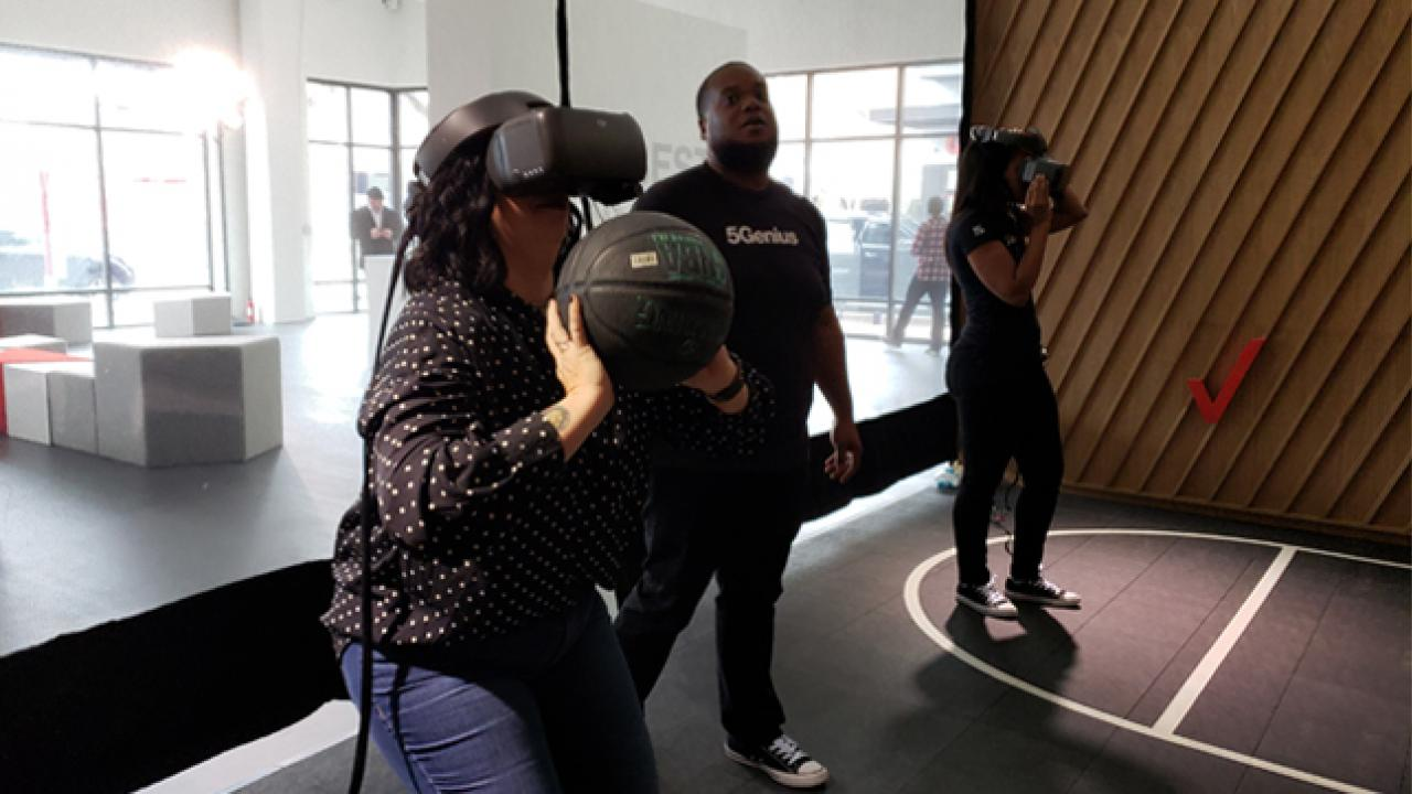 5G VR Basketball
