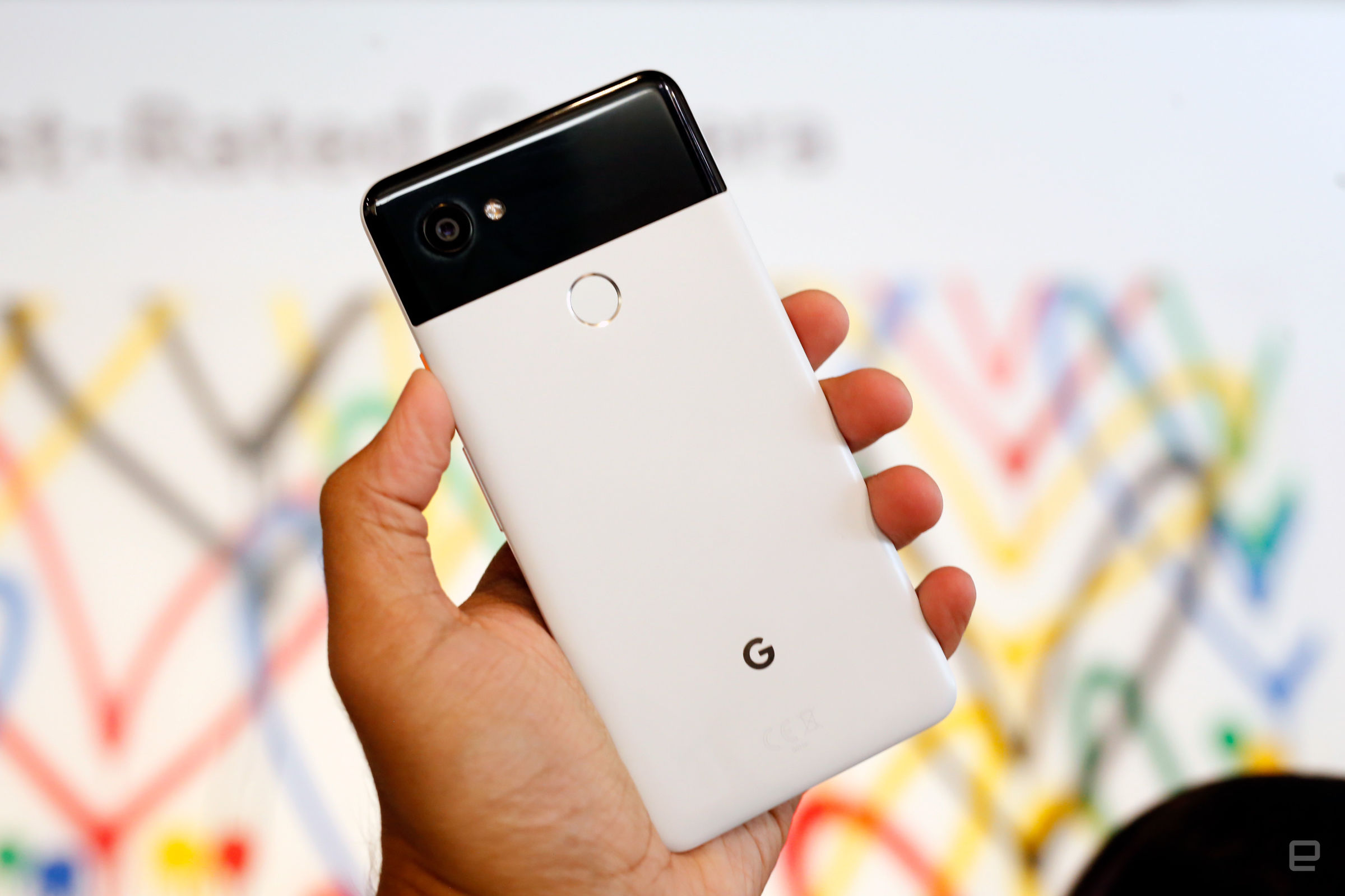 Hands-on with Google Pixel 2 and Google Pixel 2 XL.