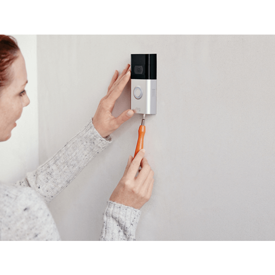 Removing cover from Ring Video Doorbell 3